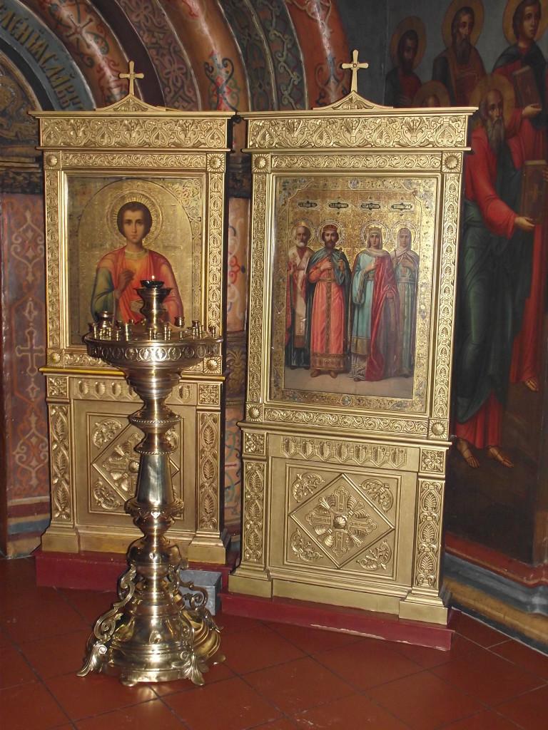 Иконы св. Пантелеимона и
