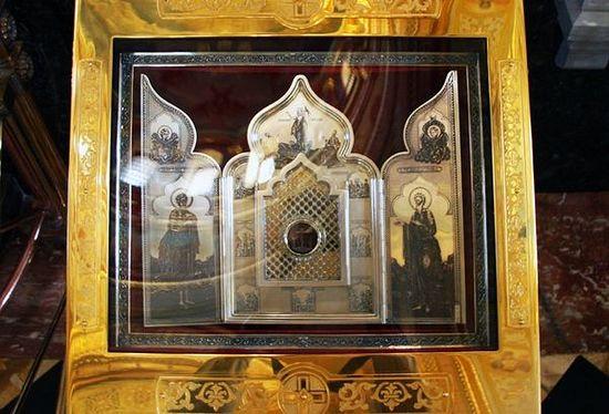 Часть Ризы Господней в храме Христа Спасителя в Москве